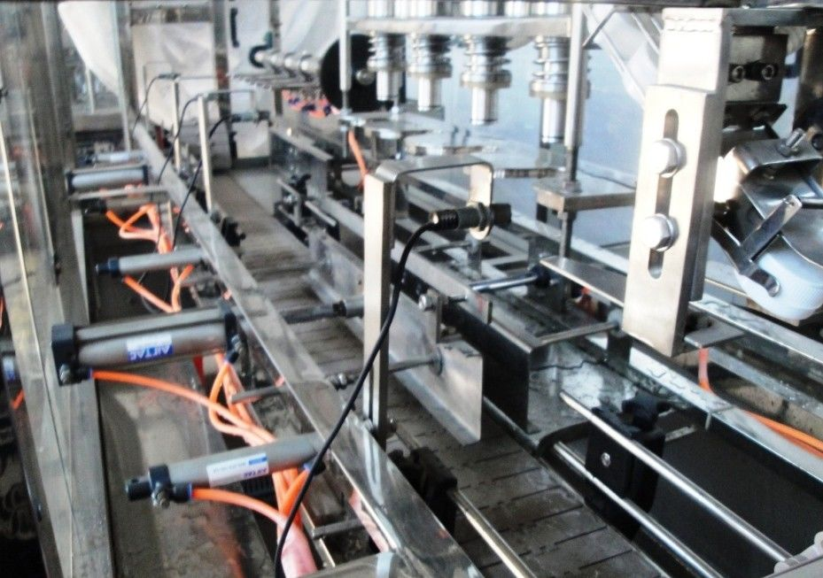 Full automatic Still, mineral water filling machine / bottles filling capping equipment